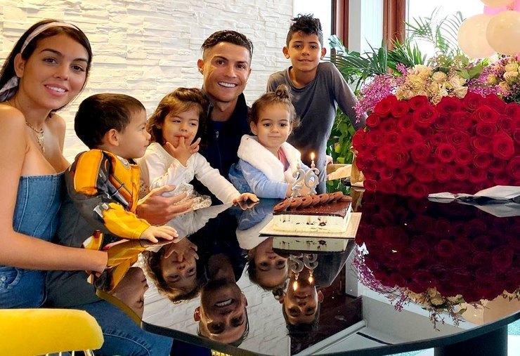 Криштиану и его семья фото