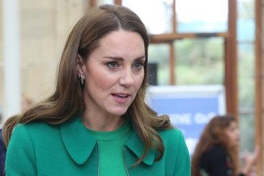 Кейт Миддлтон вышла всвет визумрудном пальто, которое носила 5 лет назад, — ибыла неотразима