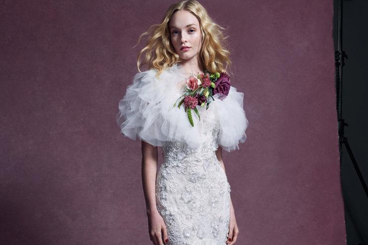 Черная вуаль иморе оборок: главные тренды свадебной моды сподиумов Нью-Йорка