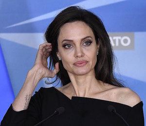 Анджелина Джоли готова бежать в Лондон, потому что Брэд Питт давит на нее