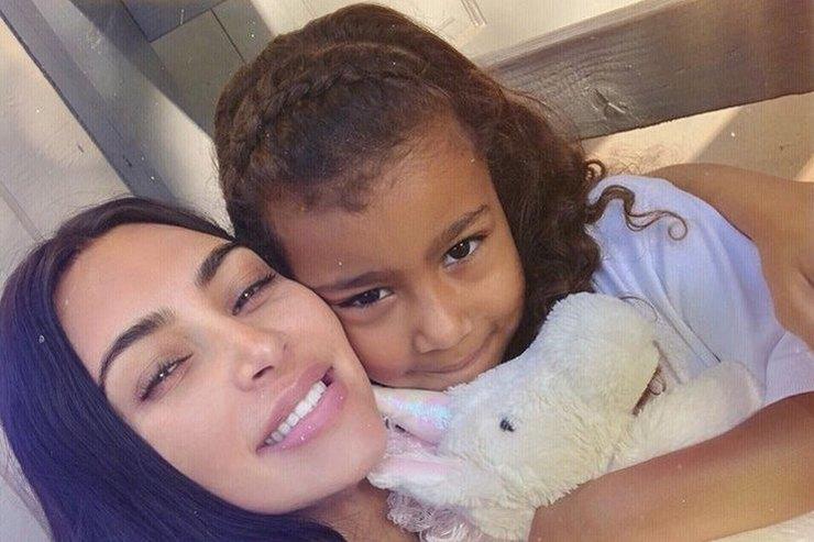 Ким Кардашьян «короновала» свою дочь