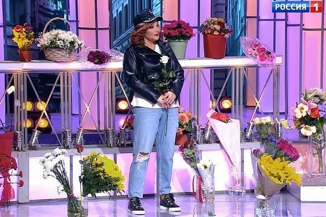 Степаненко врваных джинсах