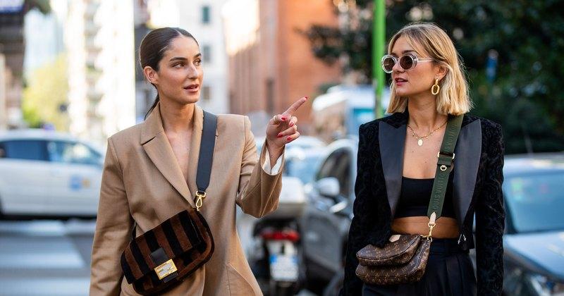 Итальянские модницы показывают, как носить костюм запределами офиса