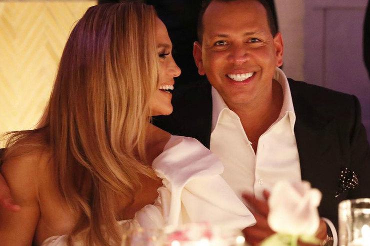 Дженнифер Лопес иАлекс Родригес устроили вечеринку вчесть помолвки