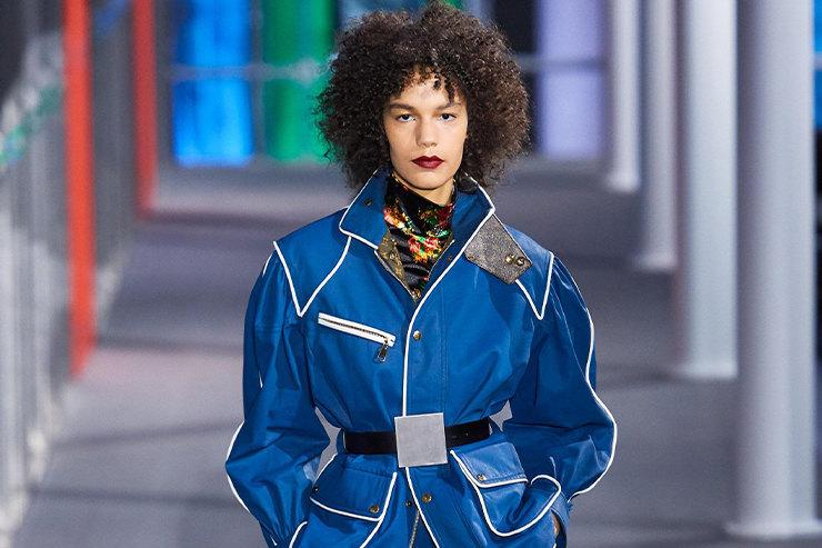 Черная кожа иватники вцветочек напоказе Louis Vuitton FW 2019/20
