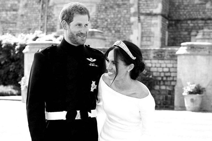 Меган Маркл ипринц Гарри впервые показали свадебное фото изличного архива