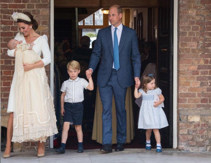 Кейт Миддлтон ипринц Уильям сдетьми накрестинах принца Луи