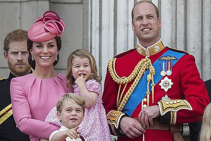 Отречение? Никто изанглийской королевской семьи нехочет быть монархом