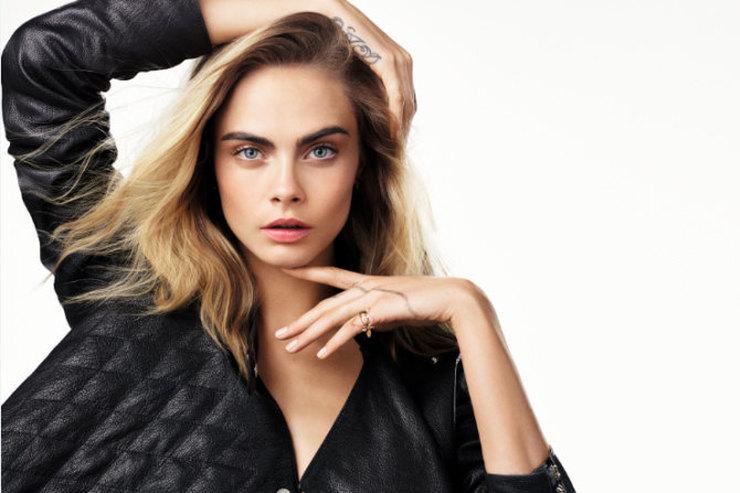 Кара Делевинь стала лицом новых антивозрастных средств ухода Dior Capture Youth