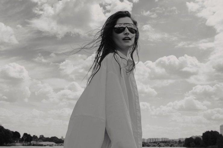 Она нетак проста : коллекция летних рубашек отVictoria Andreyanova
