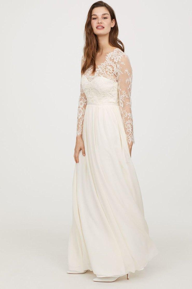 d7d8ee4dae822ae Платье Alexander McQueen для герцогини Кембриджской разрабатывала сама  креативный директор бренда Сара Бертон, и стоимость наряда тогда, в 2011  году, ...