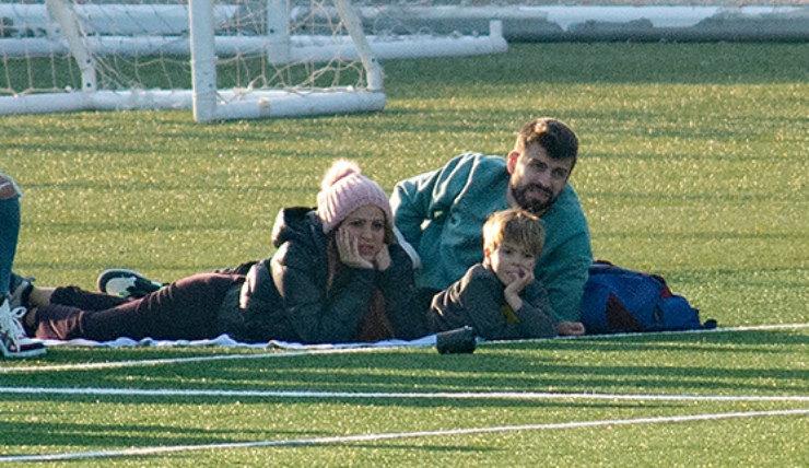 Шакира, Жерар иСаша поддержали Милана наматче