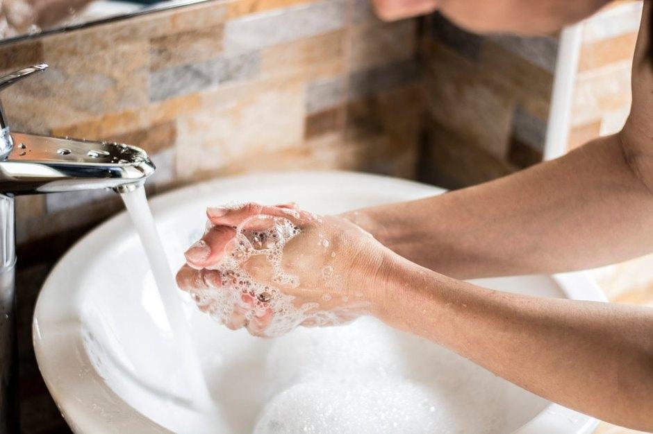 Звезды моют руки