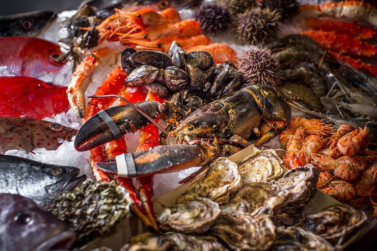 В ресторане Selection откроется маркет свежих морепродуктов имясной гастрономии