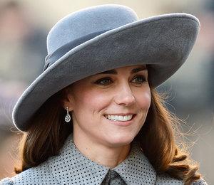 Кейт Миддлтон одевается скучнее королевы?