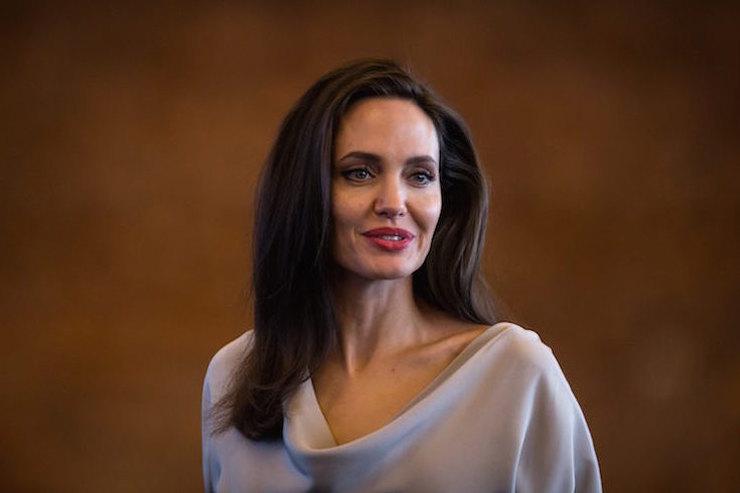 Ты неповеришь! Анджелина Джоли хочет помириться сБрэдом Питтом