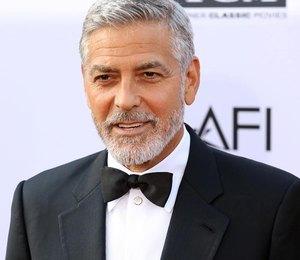 СМИ: Джордж Клуни полгода не видел детей