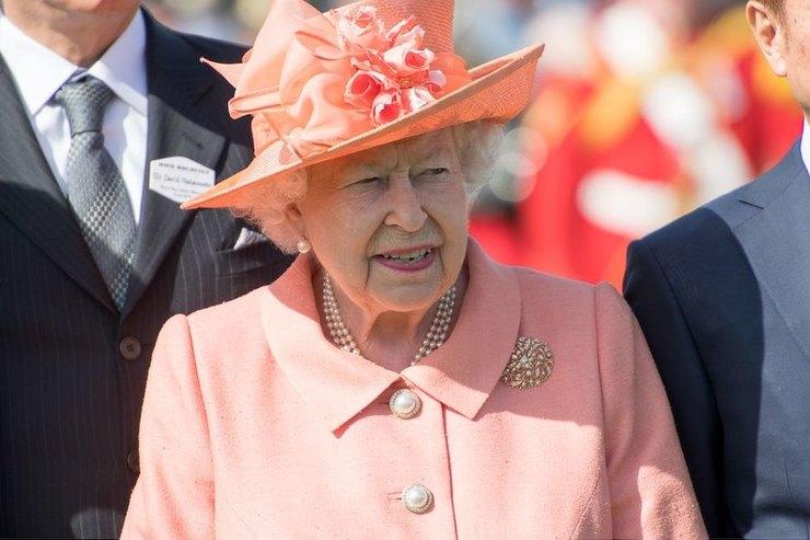 Не шутка: вЛондоне отрепетировали смерть Елизаветы II