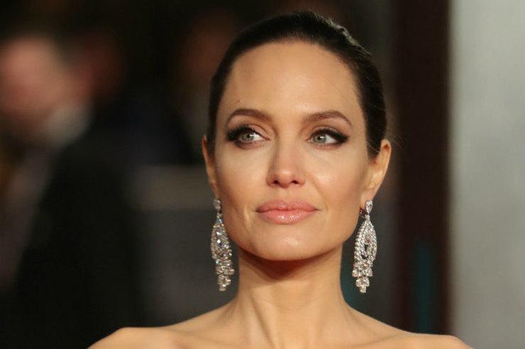 Анджелина Джоли рассказала, что ее спасло после развода сБрэдом Питтом