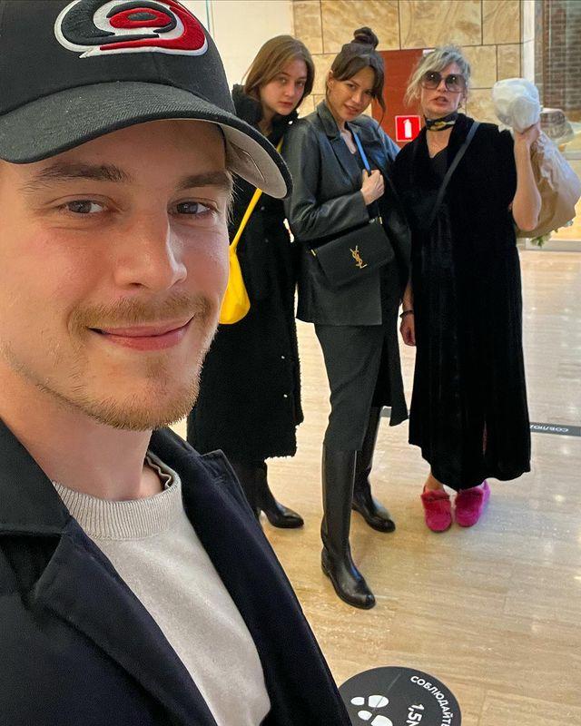 Иван Янковский с семьей