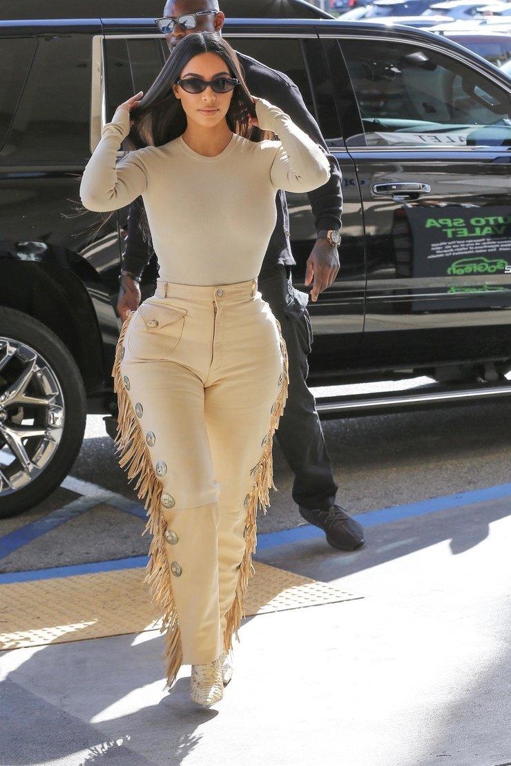 Ким Кардашьян вЛос-Анджелесе 2020 год