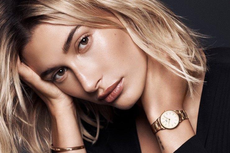 Хейли Бибер похвасталась новым роскошным кольцом