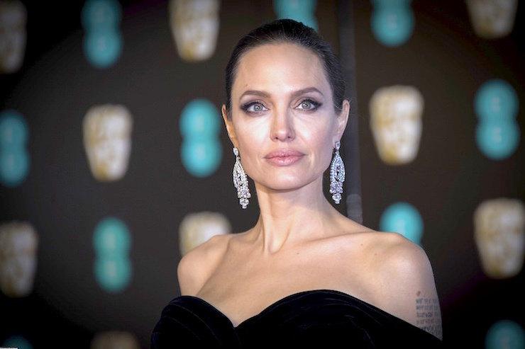 Это перебор! Скандальное заявление Анджелины Джоли обсуждает весь мир