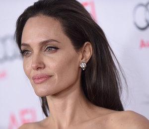 Ушла в минус: кошелек Анджелины Джоли трещит по швам из-за непомерных трат