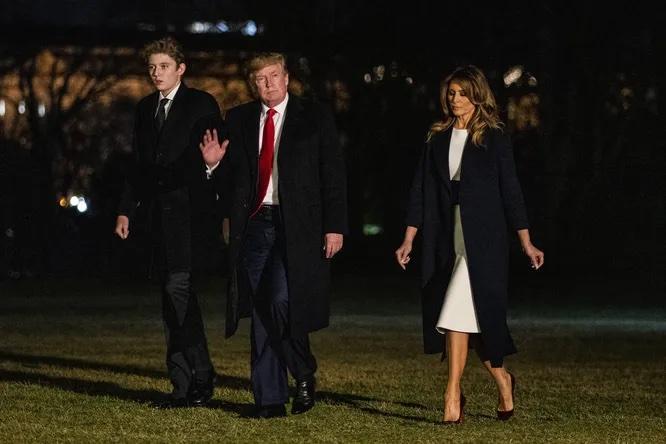Дональд Трамп, Мелания Трамп и их сын Бэррон