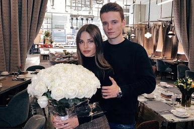 Сын Валерии сделал предложение своей девушке, подарив кольцо сбриллиантом инаписав трогательные слова набашне Москва-Сити
