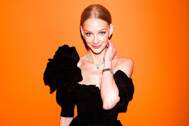 Светлана Ходченкова вобразе голливудской дивы наоткрытии поп-ап бутика Bvlgari