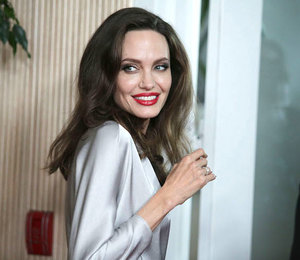 «Я думала, это спасёт наш брак»: Анджелина Джоли вспоминает о Брэде Питте