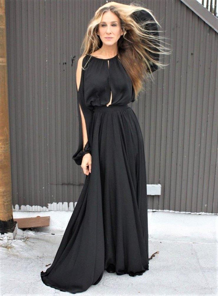 Сара Джессика Паркер нашла идеальный вариант черного платья
