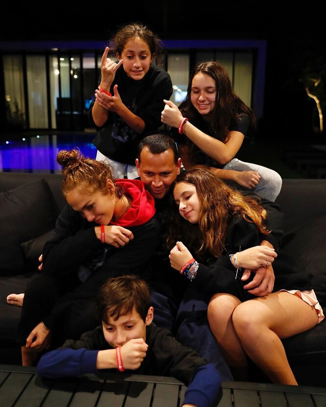 Алекс Родригес и Джей Ло отлично ладят с детьми друг друга от прошлых отношений