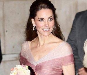 Кейт Миддлтон в розовом платье в пол посетила гала-ужин в Лондоне