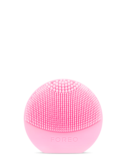 Звуковая щетка для чистки лица Luna Play, FOREO (около 3500 руб.)