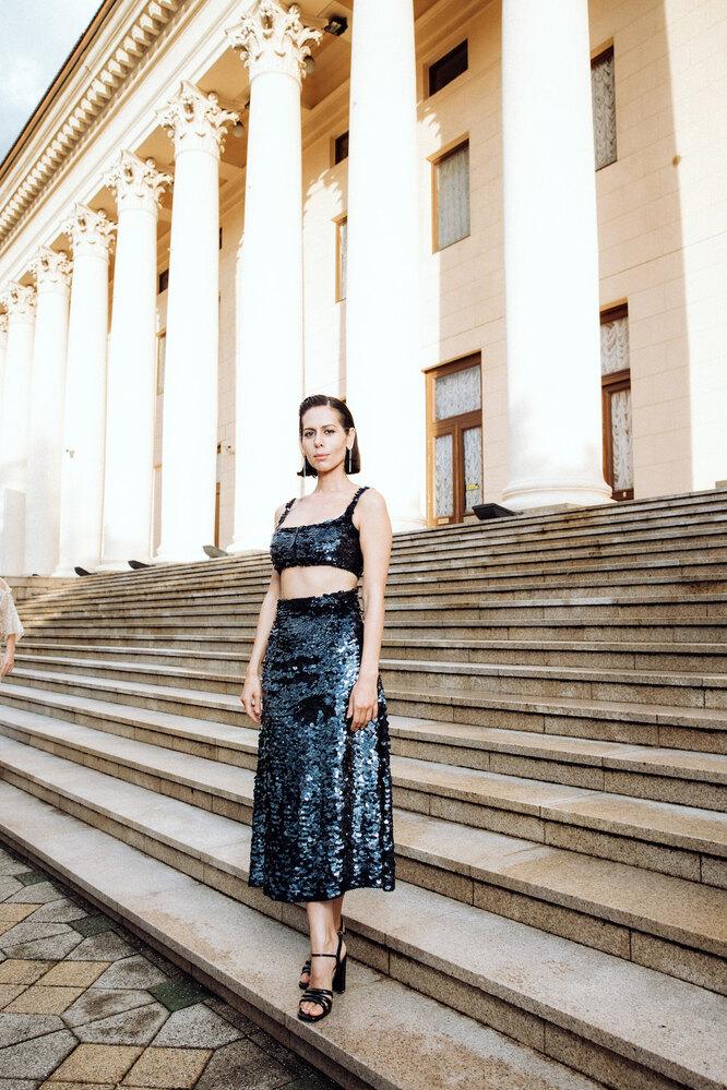 Сабина Ахмедова (в серьгах Mercury из коллекцииClassicиз белого золота с бриллиантами)