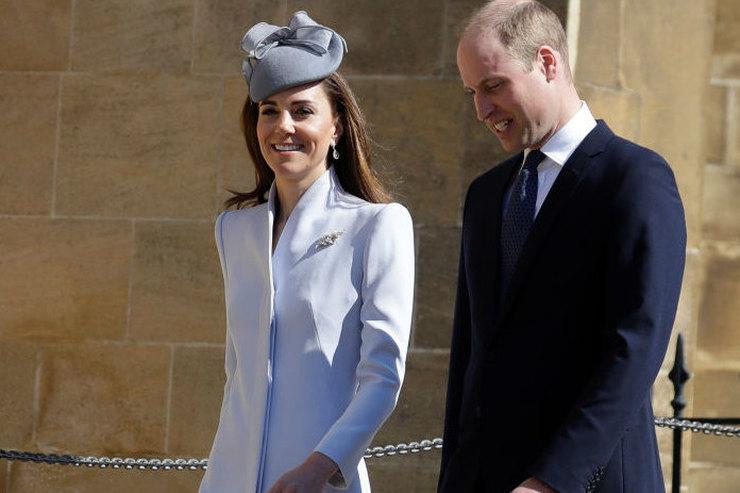 В привлекательном пальто ишляпке: Кейт Миддлтон отметила католическую Пасху