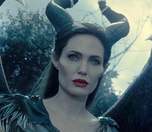 Анджелина Джоли зла: актриса недовольна дружбой бывшего мужа с Дженнифер Энистон