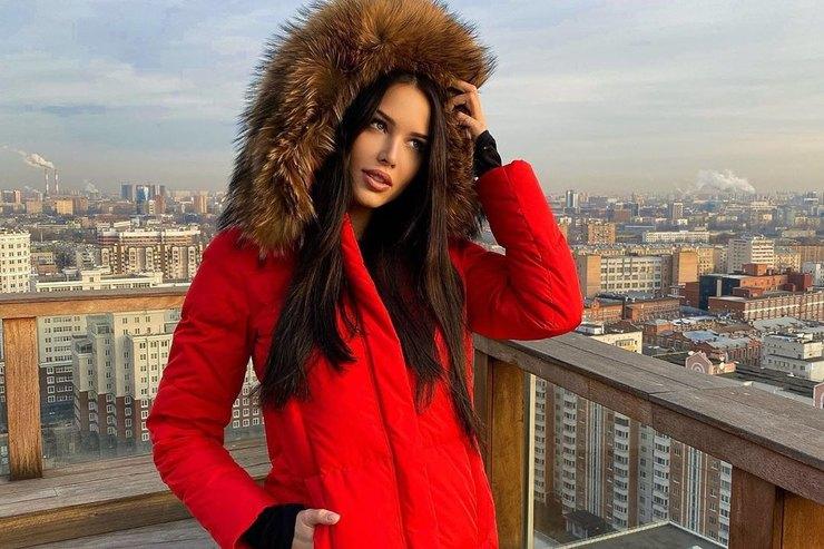 От Анастасии Решетовой доОксаны Самойловой: как носят пуховик российские звезды