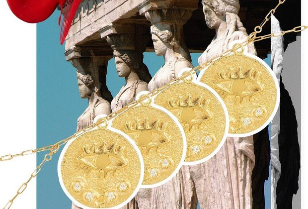Старинные монеты, смешные рожицы игербарии: подборка украшений налето