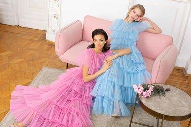 Платья цвета пирожных-макарон вколлекции Yulia Prokhorova SS19