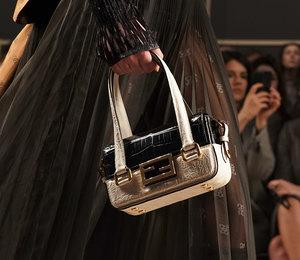 Где купить недорогую альтернативу самой модной сумки сезона от Fendi