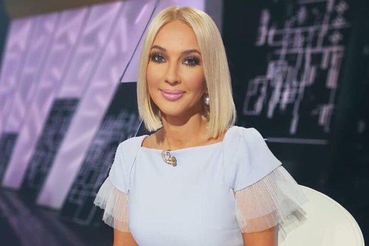 Свитшот ипомпон: Лера Кудрявцева показала подросшую дочь-модницу
