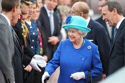 Королева Елизавета II редко использует настоящее имя, хотя унего есть особое значение