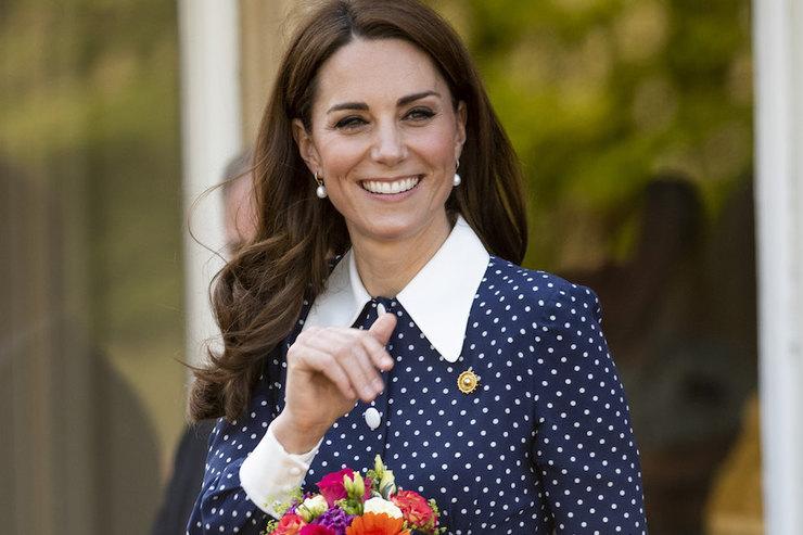 Кейт Миддлтон «выгуляла» платье вгорошек за$2300 навыставке вБлетчли