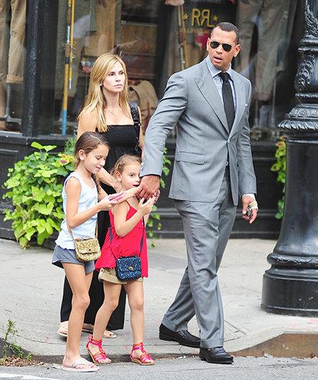 Синтия Скертис и Алекс Родригес с дочерьми