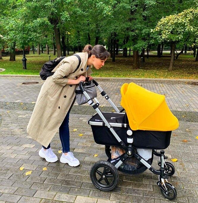 Марина Кравец с дочкой