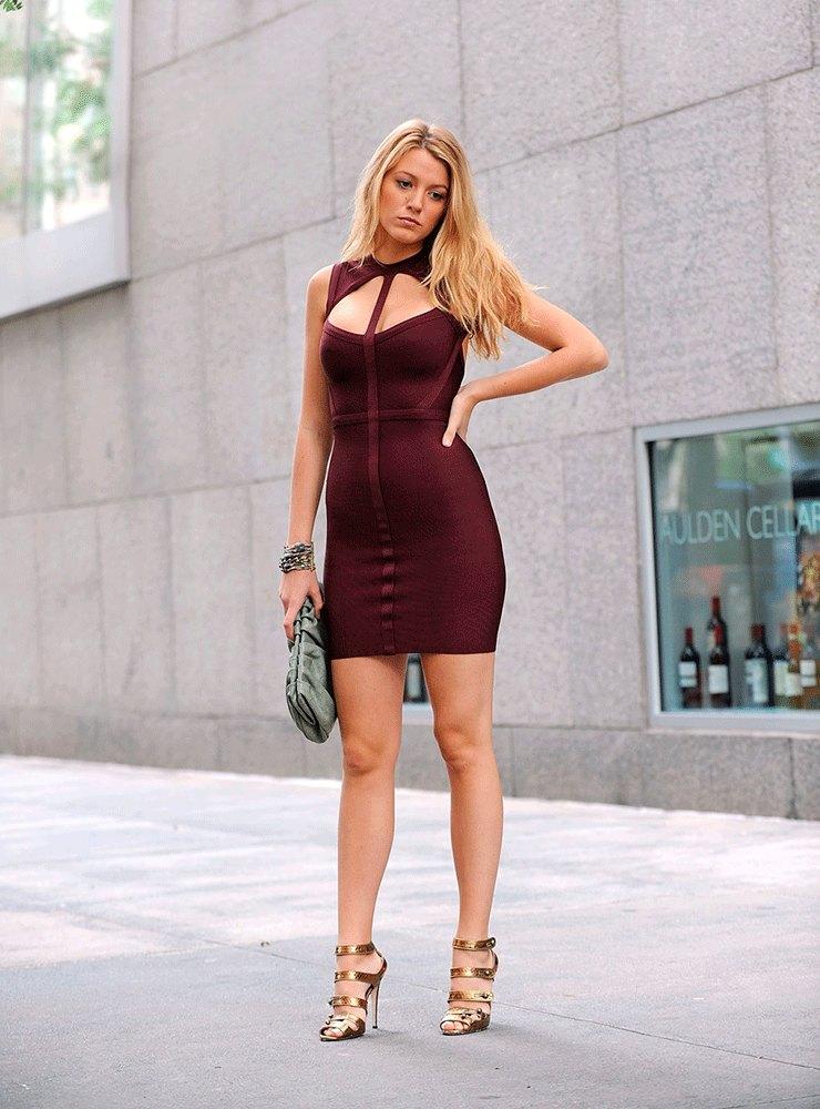 Платье: Herve Leger
