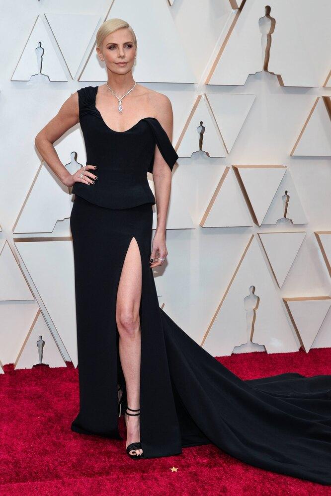 Шарлиз Терон на церемонии вручения премии «Оскар», 2020